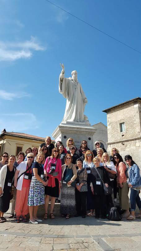 group-under-statue